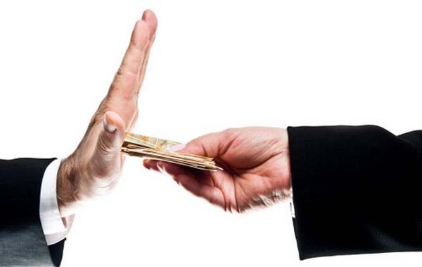 《南非新一届政府通过法案严惩官员腐败》